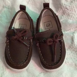 Gap boat shoes